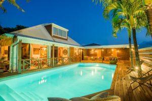 shooting immobilier Réunion villa de nuit